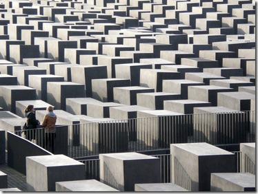 Mémorial-de-la-déportation-des-juifs_Berlin