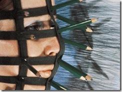 Rebecca Horn , Le masque aux crayons , 1972