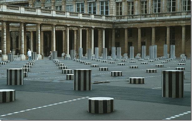 Daniel Buren-260 colonnes