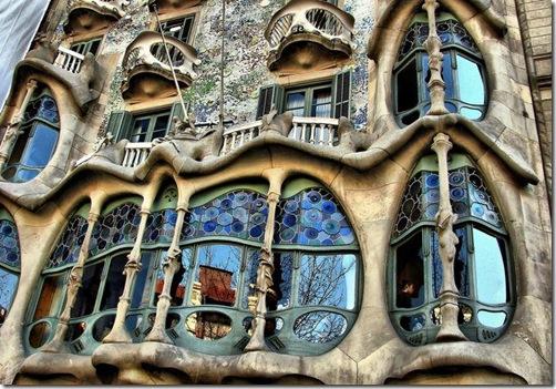 Antoni Gaudi-Casa Battlo 1904 et 1906