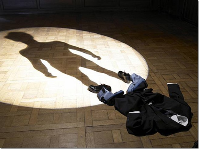 L'Ombre (de moi-même) de Philippe Ramette, 2007