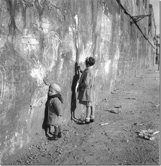 La première maitresse - Paris 1935 ©Robert Doisneau