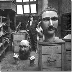 Robert-Doisneau-homme-et-marionnette