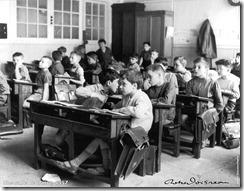 Une salle de classe - 1957 © Ateliers Robert Doisneau