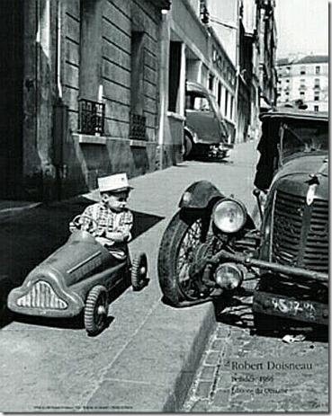 doisneau-robert-bolides-1956