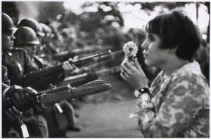 La fille à la fleur, Marc Riboud, 1967